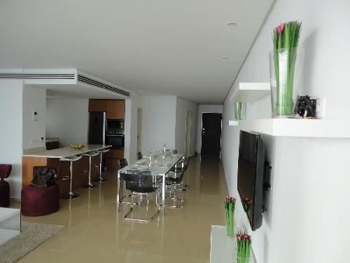 appartement 3 pi ces 135 m mermoz dakar luxueux appartement meubl f3 mermoz corniche. Black Bedroom Furniture Sets. Home Design Ideas