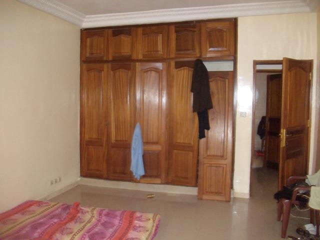 Appartement 5 pi ces 200 m vendre almadies dakar for Armoire chambre parents