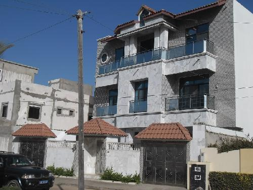 immeuble 10 pi ces 300 m vendre yoff dakar villa a vendre avec les meubles a. Black Bedroom Furniture Sets. Home Design Ideas