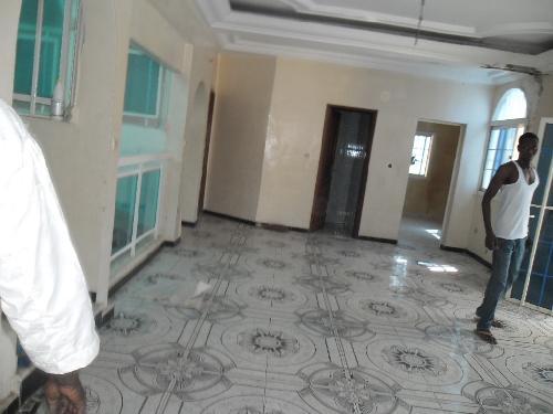 Villa 6 pi ces 600 m vendre almadies dakar villa for Salon a vendre a dakar